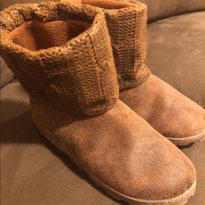 Cable knit Boots